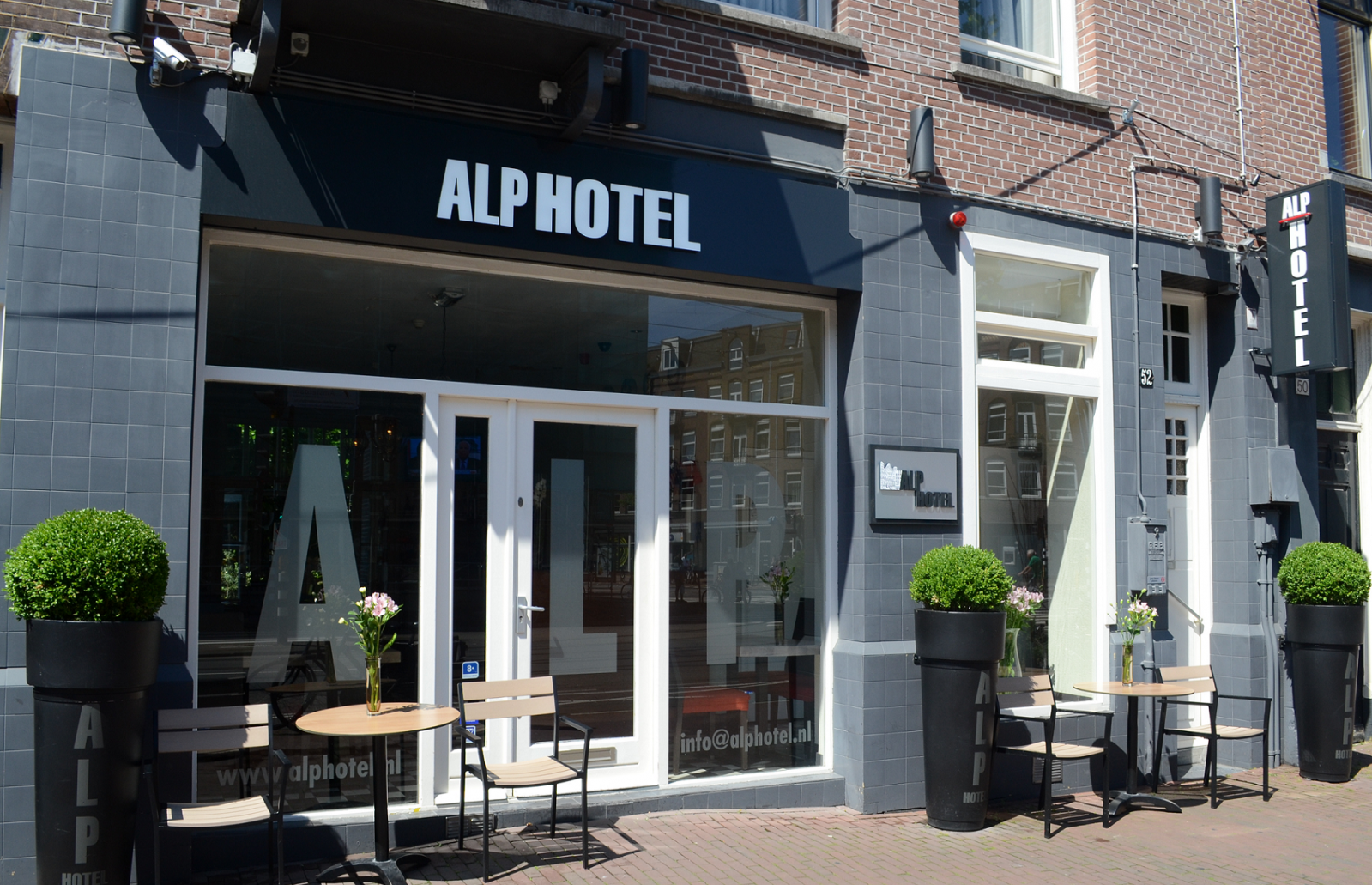 alp hotel amsterdam. Black Bedroom Furniture Sets. Home Design Ideas